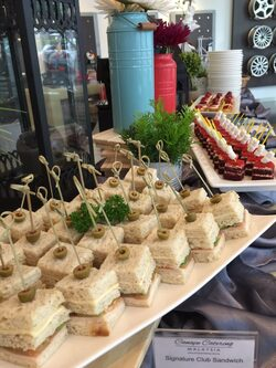 Canape catering canap buffet food catering services in for Canape catering
